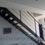 Escalier droit métallique design, garde corps acier, Groix