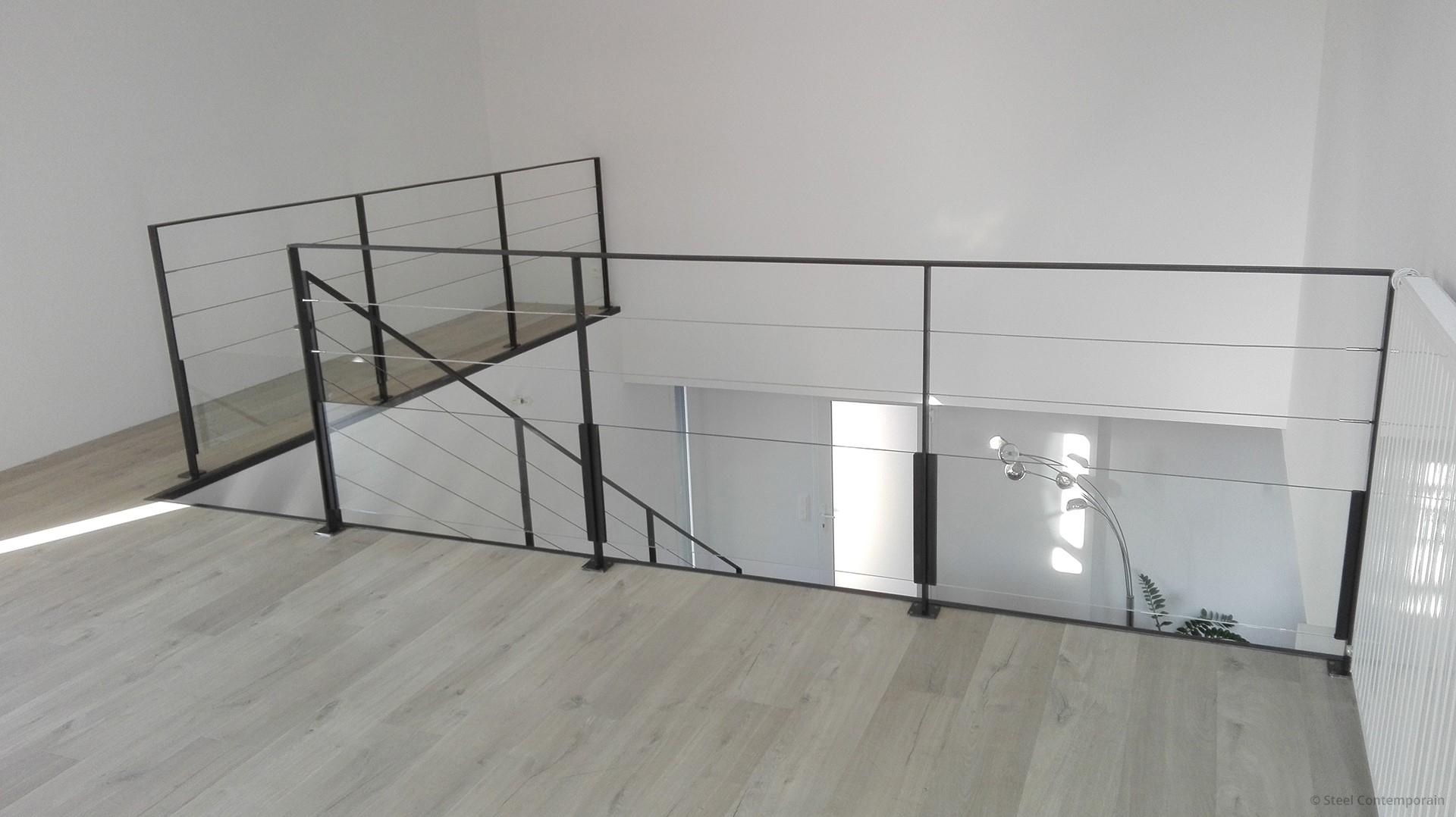 new york steel contemporain. Black Bedroom Furniture Sets. Home Design Ideas