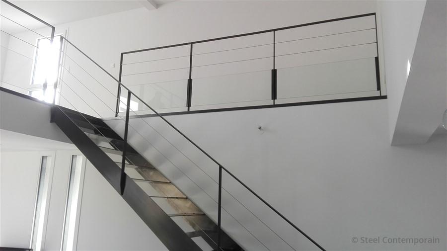 Garde corps intérieur verre et câbles