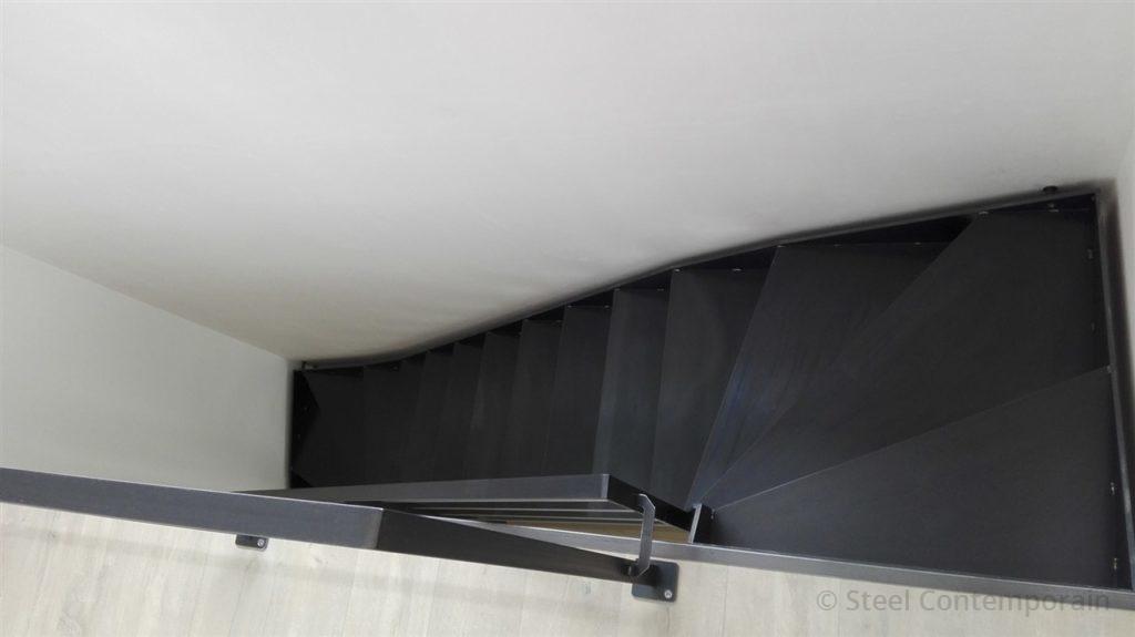 Escalier acier et garde-corps inox
