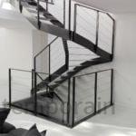Escalier demi tournant et garde-corps en acier, La Baule, steel contemporain