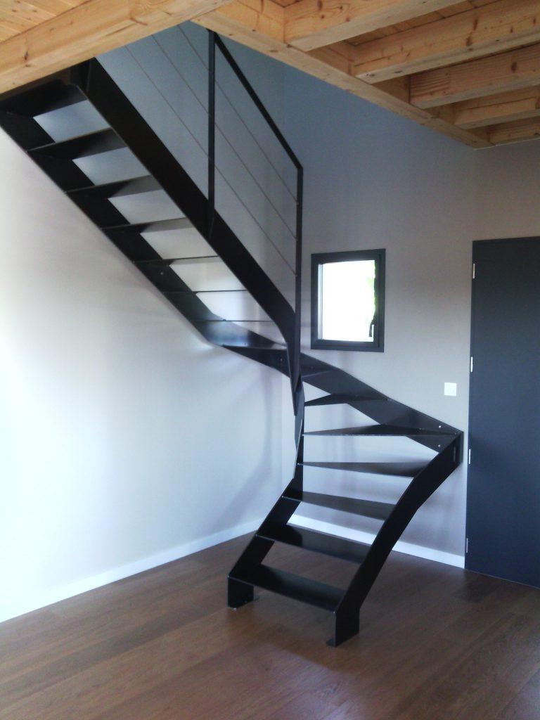 escalier metal marches acier derval 3 steel contemporain. Black Bedroom Furniture Sets. Home Design Ideas
