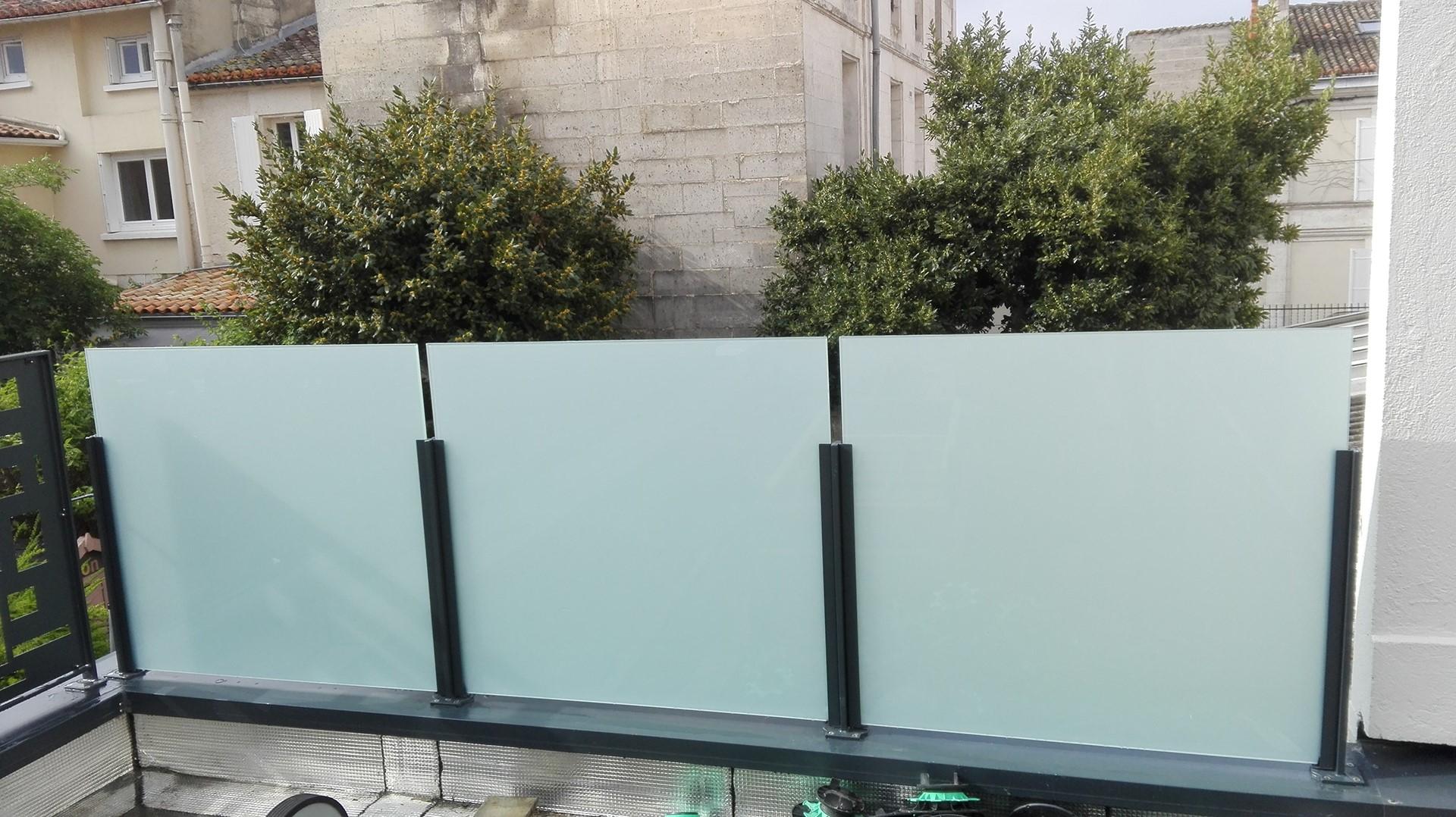 Garde-corps verre opale, Angoulême, steel contemporain