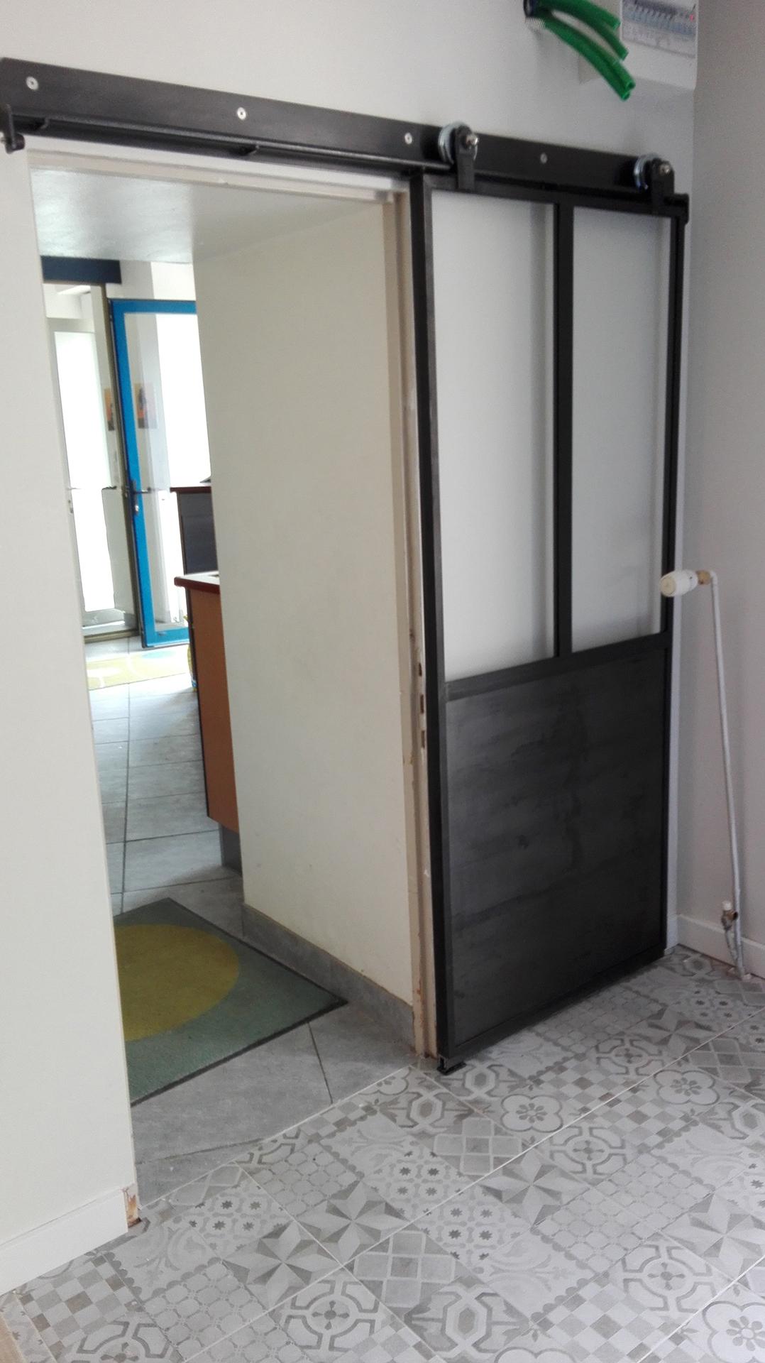 Porte verri re coulissante steel contemporain for Demi porte coulissante