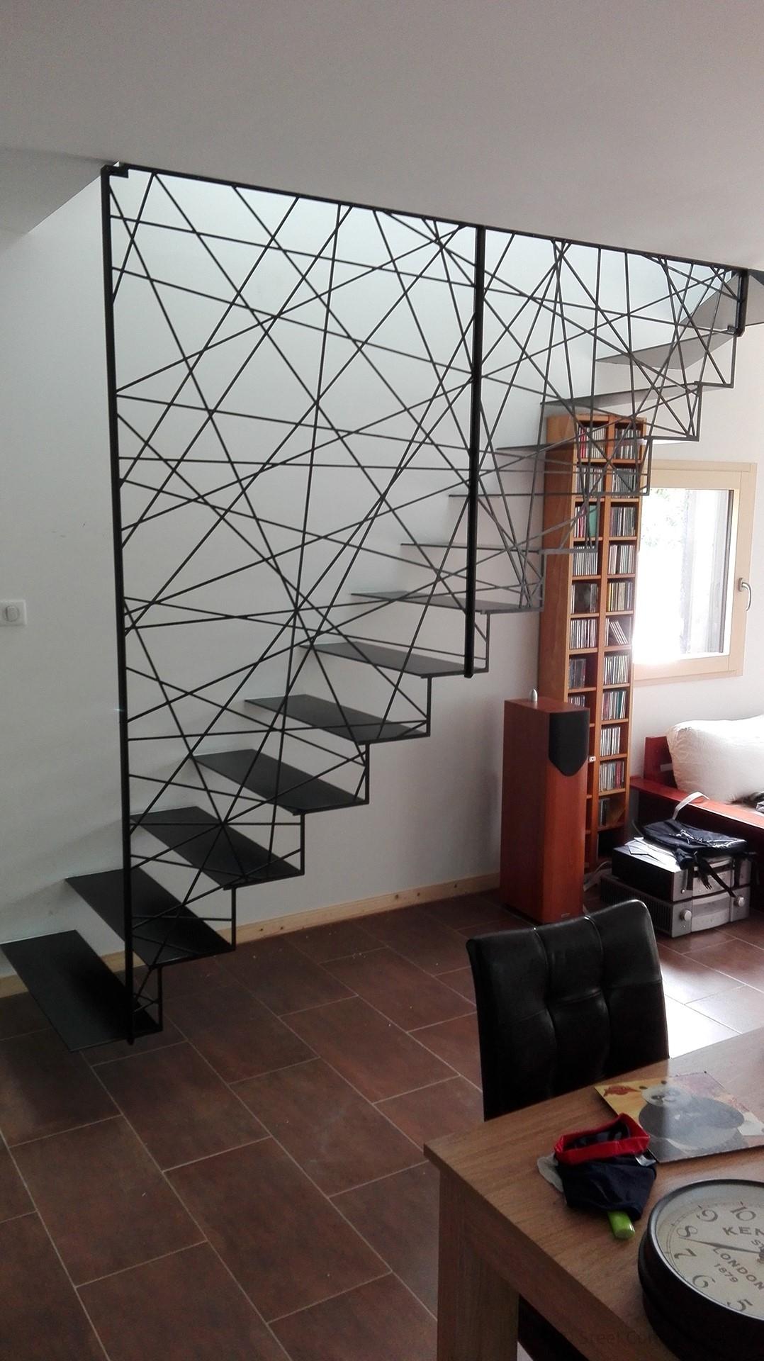 Escalier design suspendu, escalier metal design suspendu, escalier metal suspendu, Savenay, steel contemporain