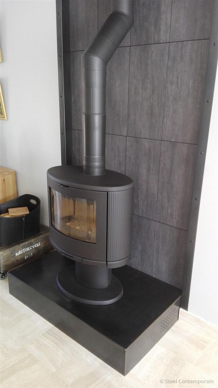 habillage de chemin e steel contemporain. Black Bedroom Furniture Sets. Home Design Ideas
